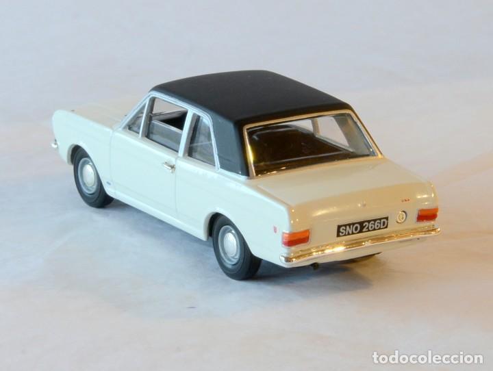 Coches a escala: Vanguards VA04100 Ford Cortina MKII GT1:43 Lledo Corgi - Foto 6 - 236982990