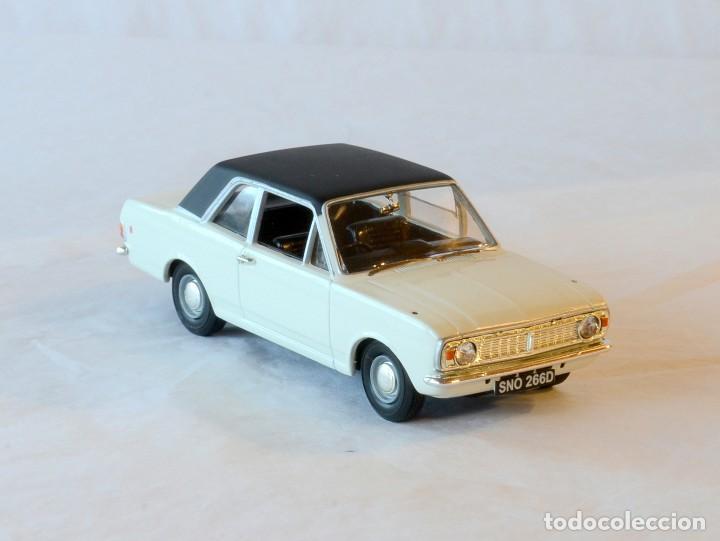 Coches a escala: Vanguards VA04100 Ford Cortina MKII GT1:43 Lledo Corgi - Foto 8 - 236982990