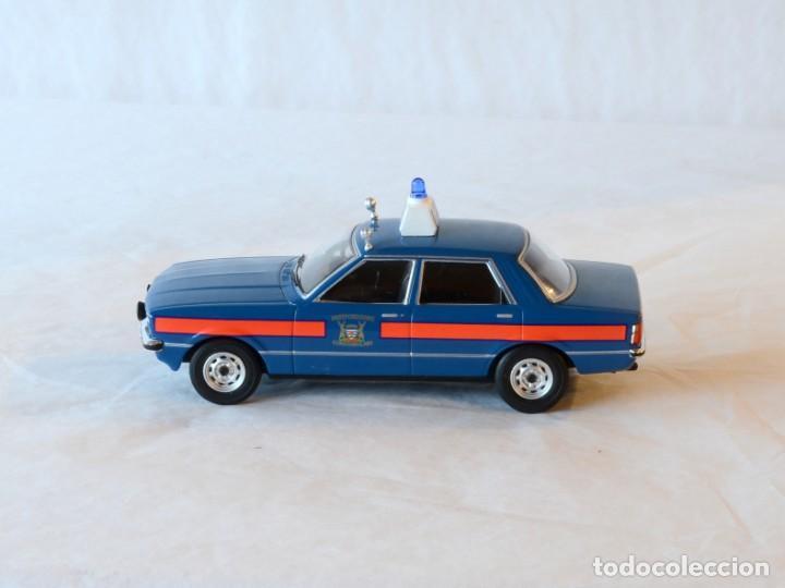 Coches a escala: Vanguards VA11901 Ford Cortina MKIV Police 1:43 Lledo Corgi - Foto 5 - 236985760