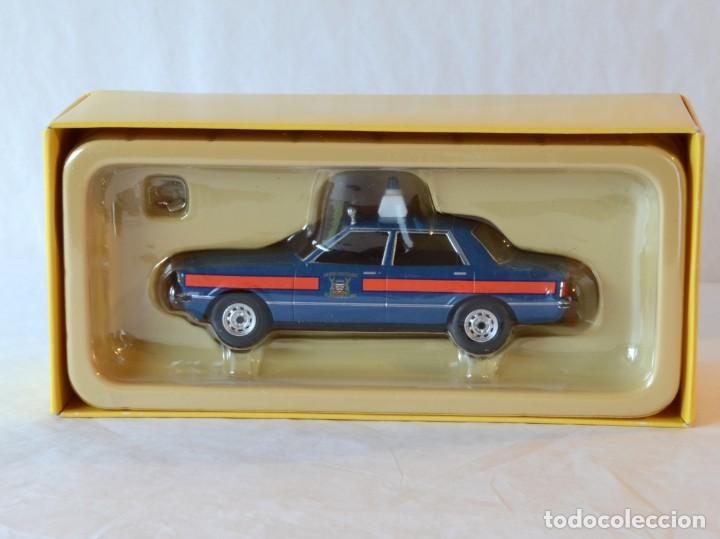 Coches a escala: Vanguards VA11901 Ford Cortina MKIV Police 1:43 Lledo Corgi - Foto 11 - 236985760
