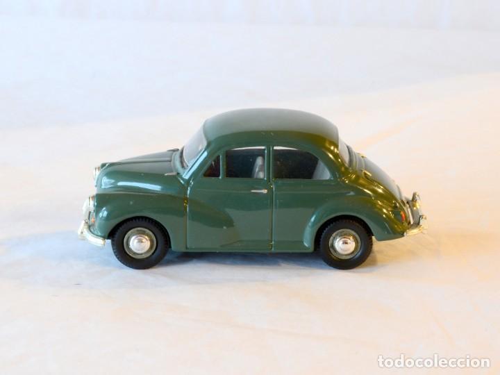 Coches a escala: Vanguards VA05801 Morris Minor Verde 1:43 Lledo Corgi - Foto 2 - 236986905