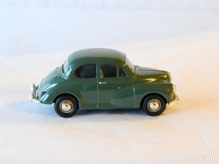 Coches a escala: Vanguards VA05801 Morris Minor Verde 1:43 Lledo Corgi - Foto 6 - 236986905