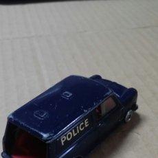 Coches a escala: AUSTIN MINI-VAN CORGI TOYS.POLICE.. Lote 249023125