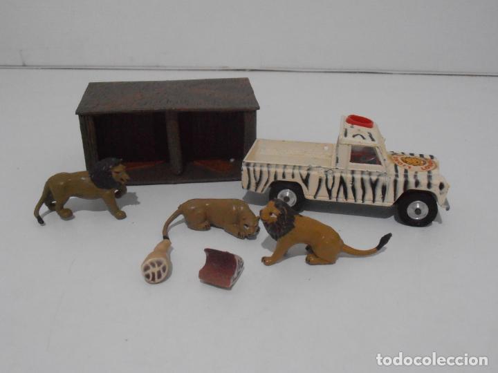 LAND ROVER CORGI TOYS, LIONS OF LONGLEAT GIFT SET 8, MADE IN GREAT BRITAIN (Juguetes - Coches a Escala 1:43 Corgi Toys)