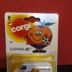 Coches a escala: BLISTER COCHE FURGONETA NARANJITO MUNDIAL DE FUTBOL ESPAÑA 82 CORGI. Lote 289214233