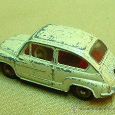 Coches a escala: AUTOMOVIL FIAT 600, FABRICADO POR DINKY TOYS, REF. 520, MADE IN FRANCIA, ESCALA 1/43. Lote 24479041