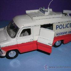 Coches a escala - DINKY VAN TRANSIT POLICE Nº 272 1975 - 27382181