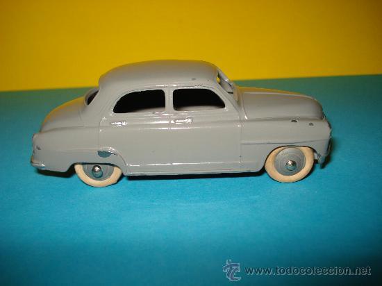 Coches a escala: Antiguo SIMCA 9 ARONDE 1/43 de DINKY TOYS Nº 24 U Made in France por Meccano. Año 1950s.. - Foto 3 - 28147019