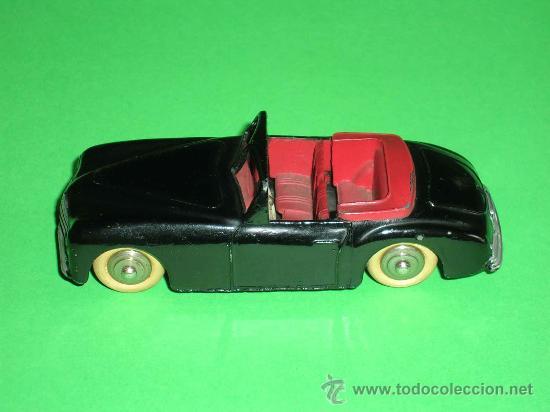 Coches a escala: Simca 8 Sport ref. 24S, fabricado en metal esc. 1/43 Dinky Toys, original años 50. Excelente. - Foto 2 - 29027112