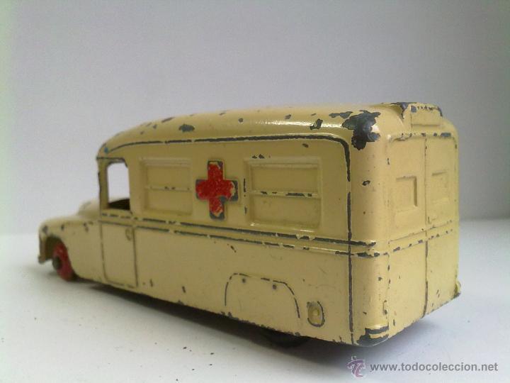 Coches a escala: Ambulancia Dinky Toys Daimler - Foto 2 - 51126395