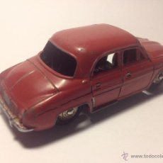 Coches a escala: ANTIGUO DINKY TOYS 24E, RENAULT DAUPHINE DEL AÑO 1957. Lote 41446024