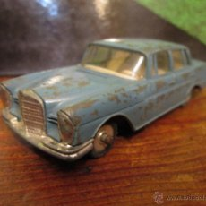 Coches a escala: DINKY TOYS 1961 MERCEDES 220SE. Lote 41770078