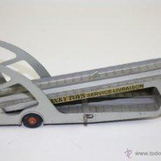 Coches a escala: PLATAFORMA TRANSPORTADORA DE COCHES DINKY SUPER TOYS BOILOT PETOLAT. AÑOS 50. . Lote 52496677