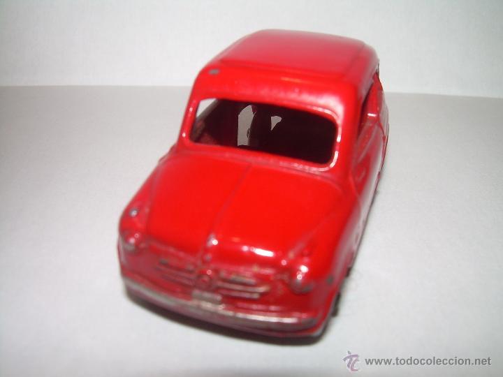 Coches a escala: ANTIGUO COCHE FIAT 600..ESCALA 1/43...DINKY TOYS...Nº 183... ENGLAND. - Foto 2 - 54228172
