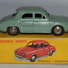 Coches a escala: COCHE RENAULT DAUPHINE, 24E, METAL, WITH ITS ORIGINAL BOX DINKY TOYS, MECCANO, AÑOS 1950, EXCELENTE. Lote 54385224