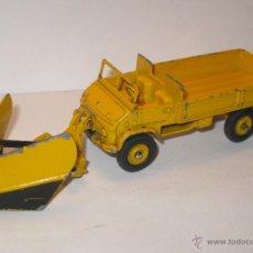 Coches a escala: DINKY TOYS - TRACTOR MERCEDES UNIMOG CON PALA QUITANIEVES - NEIGE. Lote 54812279