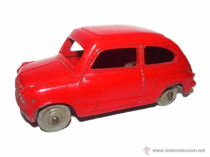ANTIGUO COCHE FIAT 600..ESCALA 1/43...DINKY TOYS...Nº 183... ENGLAND. (Juguetes - Coches a Escala 1:43 Dinky Toys)