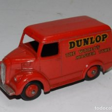 Coches a escala: COCHE DINKY TOYS, FURGONETA TROJAN - DUNLOP THE WORLD MASTER TYRE, FABRICADO POR MECCANO, MADE IN EN. Lote 62423424