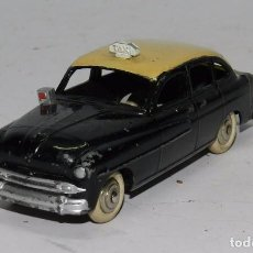 Coches a escala: COCHE DINKY TOYS, FORD VEDETTE, REF. 24 X, TAXI, MADE IN FRANCE, VER TODAS LAS FOTOGRAFIAS PUESTAS, . Lote 63884971