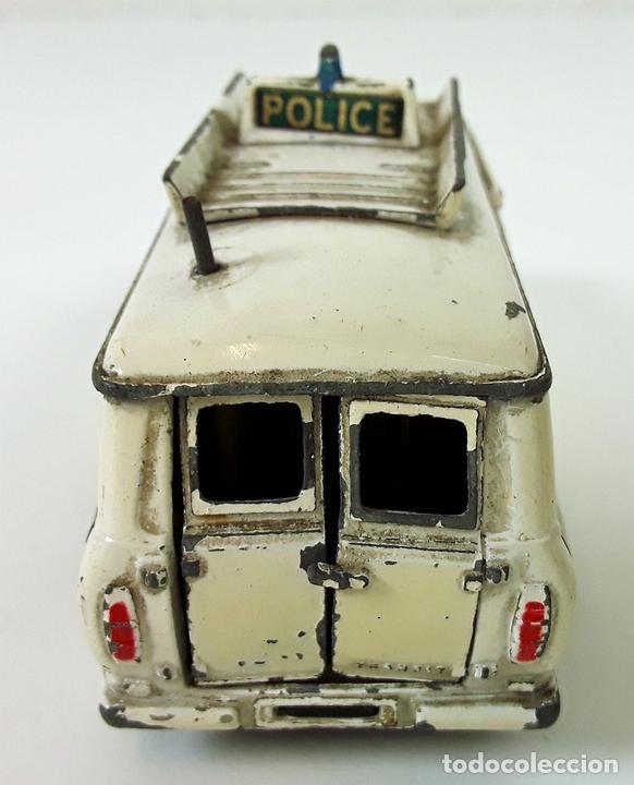 Coches a escala: FURGONETA DE POLICIA. FORD TRANSIT VAN. METAL. ESC 1/43. DINKY TOYS. REINO UNIDO. CIRCA 1950. - Foto 3 - 90955530