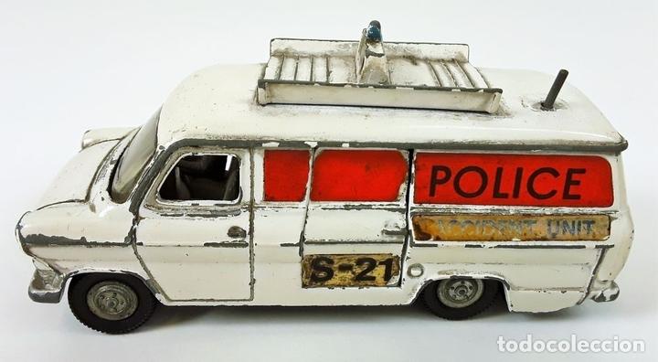 Coches a escala: FURGONETA DE POLICIA. FORD TRANSIT VAN. METAL. ESC 1/43. DINKY TOYS. REINO UNIDO. CIRCA 1950. - Foto 4 - 90955530