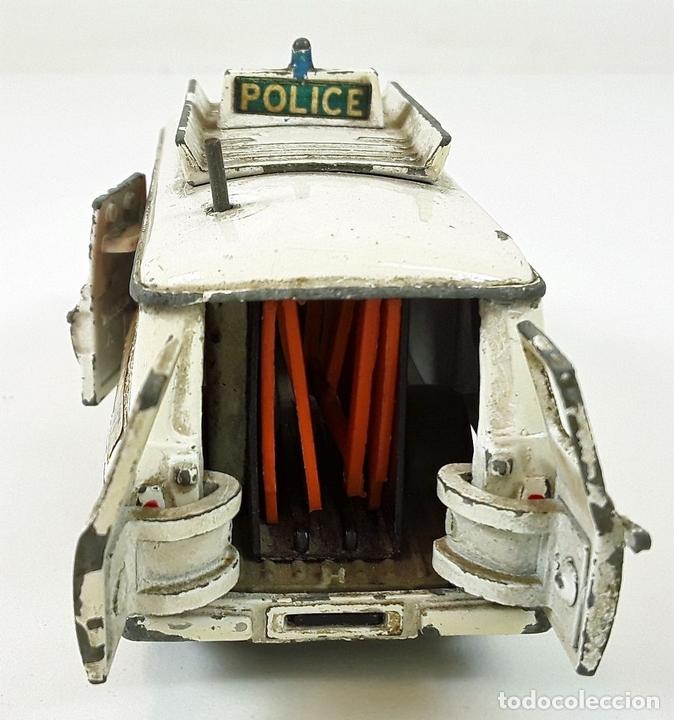 Coches a escala: FURGONETA DE POLICIA. FORD TRANSIT VAN. METAL. ESC 1/43. DINKY TOYS. REINO UNIDO. CIRCA 1950. - Foto 7 - 90955530