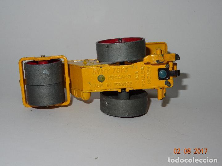 Coches a escala: Antiguo Rodillo Apisonadora RICHIER de DINKY TOYS Made in France por MECCANO - Año 1950-60s. - Foto 5 - 94804087
