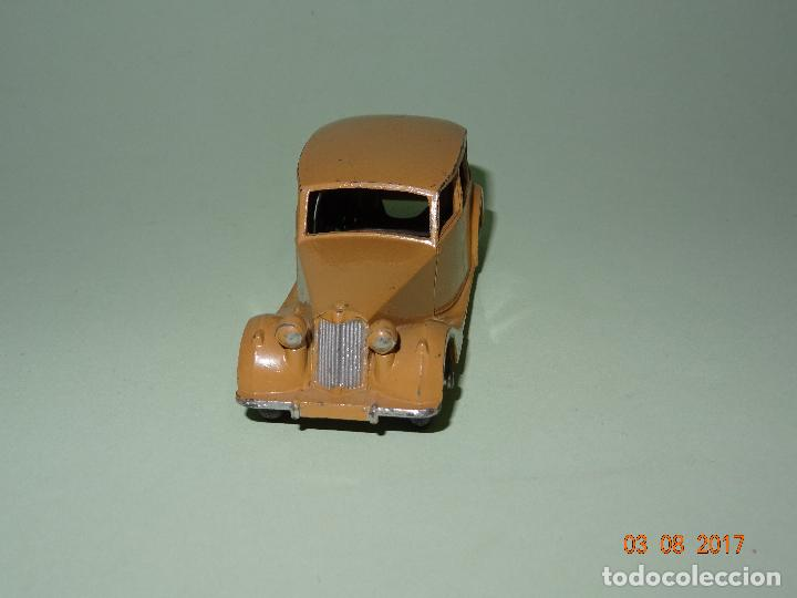 Coches a escala: Antiguo TRIUMPH de Dinky Toys - Made in England por MECCANO - Foto 4 - 95152135
