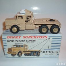 Coches a escala: DINKY TOYS, CAMION PETROLIER SAHARIEN, GBO BERLIET, REF. 888. Lote 99342591