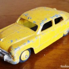 Coches a escala: DINKY TOYS FORD SEDAN. Lote 109778739