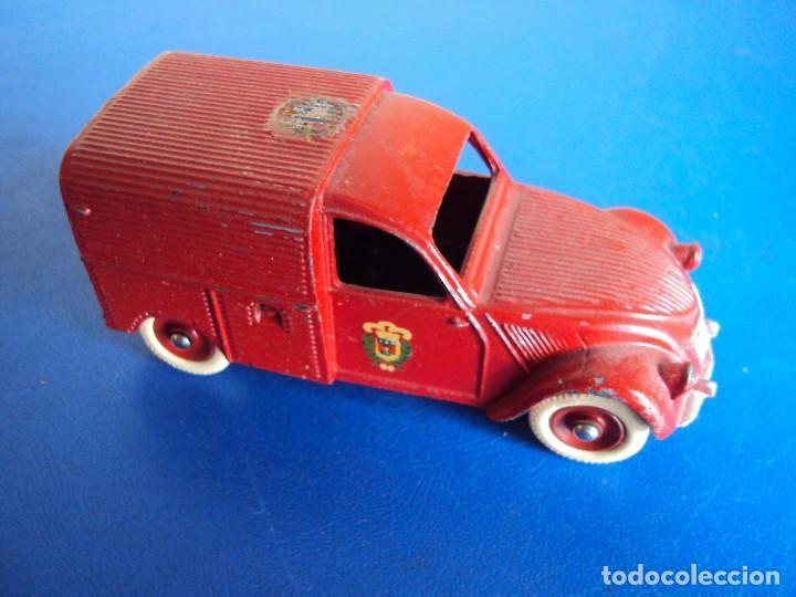 (JU-180457)FURGONETA DE BOMBEROS CITROEN 2CV (Juguetes - Coches a Escala 1:43 Dinky Toys)