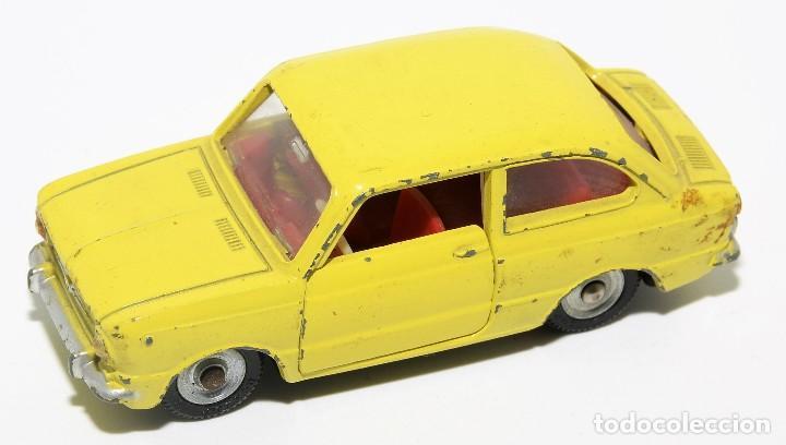 Coches a escala: DINKY TOYS 509 - FIAT 850 AMARILLO - INTERIOR ROJO - AÑOS 60 - CON CAJA - Foto 5 - 120190631