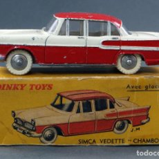 Coches a escala: SIMCA VEDETTE CHAMBORD CRISTALES DINKY TOYS MADE IN FRANCE CON CAJA 174 1/43 AÑOS 50. Lote 120419859