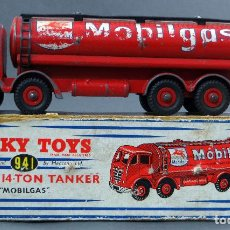 Coches a escala: CISTERNA MOBILGAS FODEN 14 TON TANKER DINKY SUPERTOYS MADE IN FRANCE CON CAJA 941 1/43 AÑOS 60. Lote 120534103