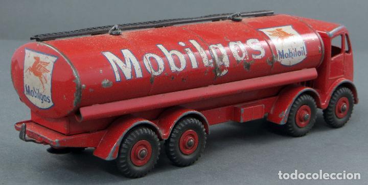 Coches a escala: Cisterna Mobilgas Foden 14 Ton Tanker Dinky SuperToys Made in France con caja 941 1/43 años 60 - Foto 5 - 120534103