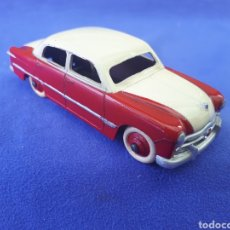 Coches a escala: DINKY TOYS FORD SEDAN. Lote 129355659