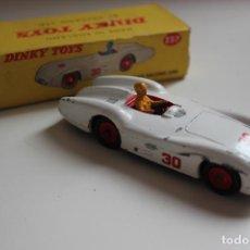 Coches a escala: DINKY TOYS 237, MERCEDES BENZ RACING CAR, EN SU CAJA. VER FOTOS. Lote 157419698