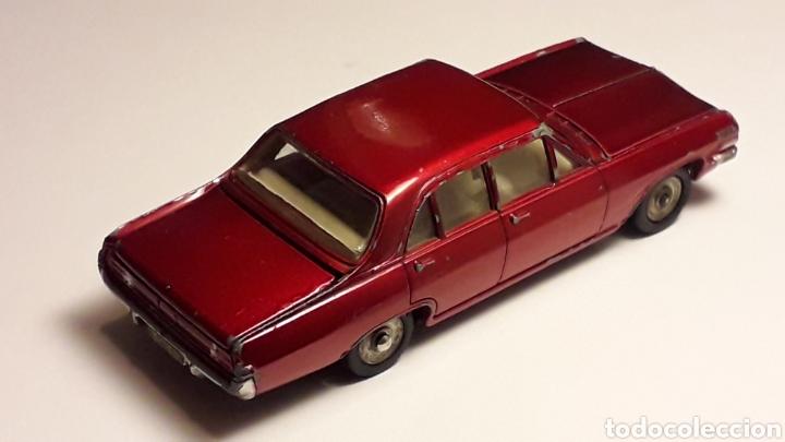 Coches a escala: Opel Admiral ref. 513, metal esc. 1/43, Dinky Toys Poch (Spain) made in France, original años 60. - Foto 5 - 166575794