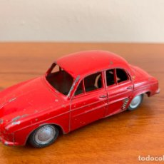 Coches a escala: RENAULT DAUPHINE JEFE SALUDES LION TOYS ESCALA 1/43. Lote 167975656