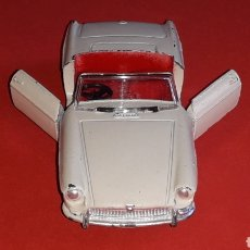 Coches a escala: MG MGB REF. 113, METAL ESC. 1/43, DINKY TOYS MADE IN ENGLAND, ORIGINAL AÑO 1962.. Lote 171191234
