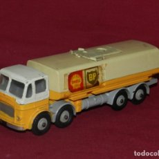 Coches a escala: (BF) DINKY SUPERTOYS LEYLAND OCTOPUS MECANNO LTD GASOLINA BP SHELL - 18X4,5 CM.. Lote 175786650