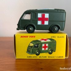 Coches a escala: DINKY TOYS 80F AMBULANCE MILITAR RENAULT ESCALA 1:43. Lote 179150701