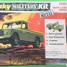 Coches a escala: LAND ROVER PICK UP MILITARY KIT DE DINKY TOYS MECCANO AÑOS 70 REF. 1032. Lote 182892440