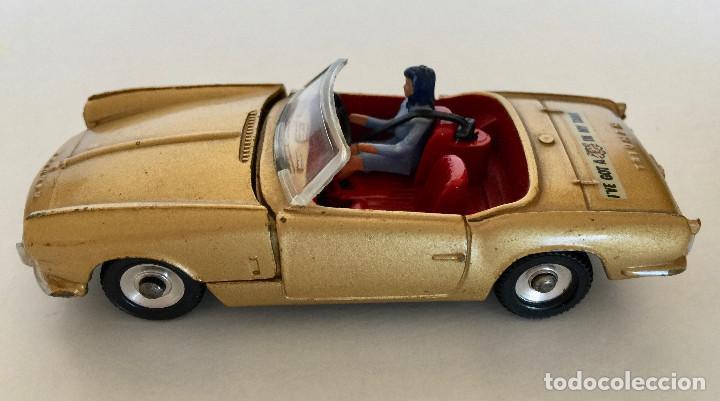 DINKY TOYS TRIUMPH SPITFIRE – DORADO - VINTAGE 1963 MECCANO ENGLAND (Juguetes - Coches a Escala 1:43 Dinky Toys)