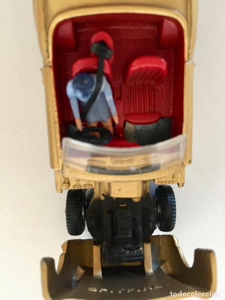 Coches a escala: DINKY TOYS TRIUMPH SPITFIRE – DORADO - VINTAGE 1963 MECCANO ENGLAND - Foto 4 - 192908863