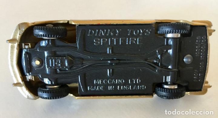 Coches a escala: DINKY TOYS TRIUMPH SPITFIRE – DORADO - VINTAGE 1963 MECCANO ENGLAND - Foto 8 - 192908863