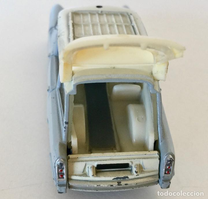 Coches a escala: DINKY TOYS CITROEN BREAKID 19 AMBULANCIA MUNICIPAL – GRIS - VINTAGE 1963 MECCANO FRANCE - Foto 4 - 192909362