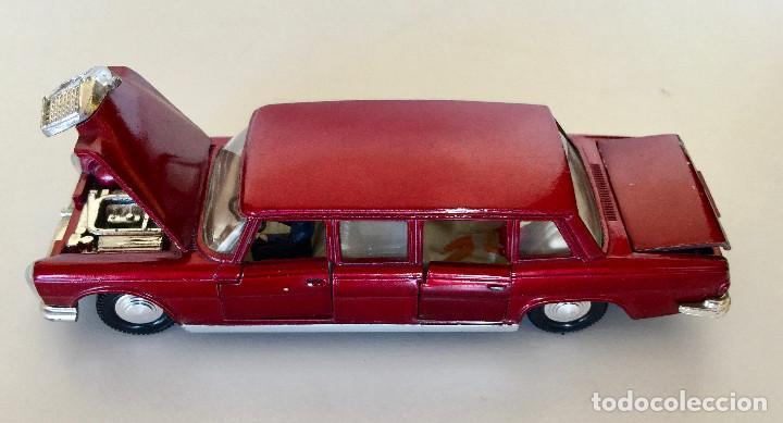 Coches a escala: DINKY TOYS MERCEDES-BENZ 600 – ROJO - MODELO 128 - VINTAGE 1964 MECCANO ENGLAND - Foto 12 - 192909617