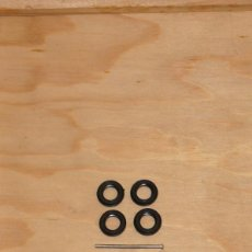 Coches a escala: ORIGINAL DINKY TOYS 4 LLANTAS, 4 NEUMATICOS ORIGINALES DUNLOP Y DOS EJES TODO ORIGINAL. Lote 194664438