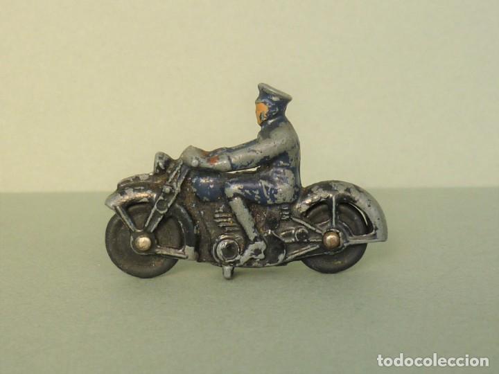ANTIGUO DINKY Nº37B MOTO CON MOTOCICLISTA DE POLICIA. AÑO 1946. (Juguetes - Coches a Escala 1:43 Dinky Toys)